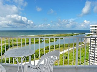 Inviting beachfront condo w/ heated pool & unmatched ocean view