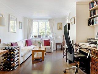 Prestigious Putney home by the River Thames