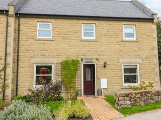 FARLEY, dog-friendly, fishing, near Two Dales