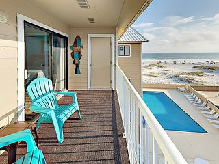 West-Facing 2BR w/ Private Balcony + Gulf Views - Pool & Beach Access