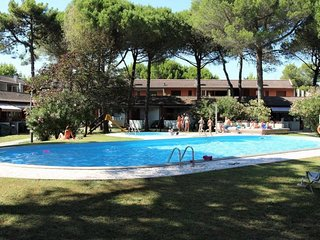 Beautiful Resort Ideal for Families - Pool and Playground - Beach Place Included
