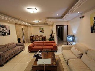 Residence MASSOU _ Le PENTHOUSE, Quartier BASTOS / GOLF