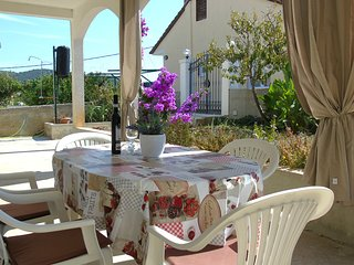 Lovely family apartment close to pebble beach