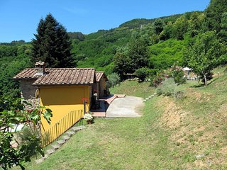 1 bedroom Apartment in Bagni di Lucca, Tuscany, Italy : ref 5447105