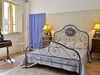 2 bedroom Apartment in Cortona, Tuscany, Italy : ref 5472425