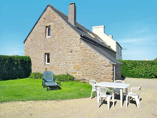 2 bedroom Villa in Kerlouan, Brittany, France : ref 5438153
