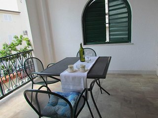 Holiday flat studio with balcony, 150 m to beach