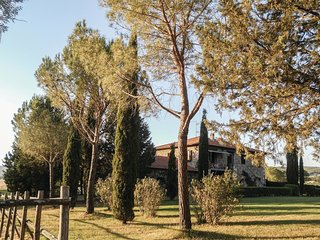 2 bedroom Apartment in Casa Cavallini, Tuscany, Italy : ref 5523586