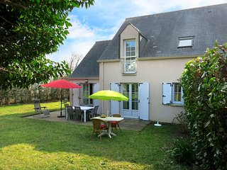 3 bedroom Villa in Le Bono, Brittany, France : ref 5441373