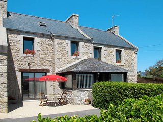 2 bedroom Villa in Cleder, Brittany, France : ref 5438073