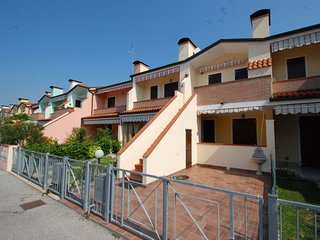 1 bedroom Apartment in Eraclea Mare, Veneto, Italy : ref 5516238
