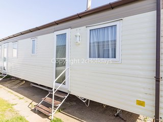 6 berth caravan with D/G, decking and a part sea view. *Pets allowed. REF 20083