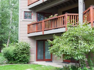 Walk to Beaver Creek Complimentary Shuttle, 2 King Beds, YR Hot Tub, Fitness Cen