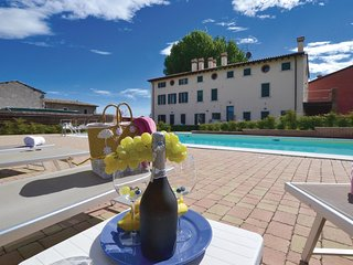 2 bedroom Apartment in Pozzoi, Veneto, Italy : ref 5540683