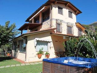 3 bedroom Villa in Camaiore, Tuscany, Italy : ref 5447597