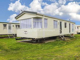 6 berth caravan, near park amenities at St Osyth Holiday Park. REF 28021FI