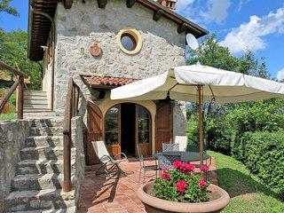 2 bedroom Apartment in Molazzana, Tuscany, Italy : ref 5447143