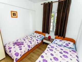 2 bedroom Apartment in Arbanija, Croatia - 5546424