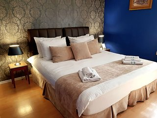 SAMM SEHER HOTEL - Bed & Breakfast - Sarajevo Center Old Town - Private Room