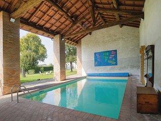 2 bedroom Villa in Castellina, Lombardy, Italy : ref 5541088