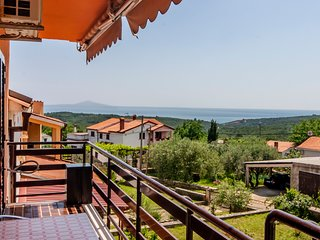 Spatious apartment with Sea view 2+2 in Peruski, Istria, Croatia