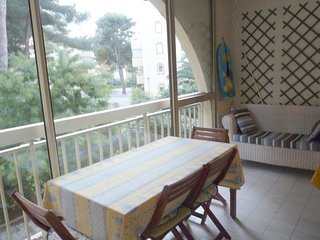 Rental Apartment Six-Fours-les-Plages, 2 bedrooms, 5 persons