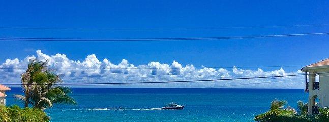 Ofilterad utsikt från lägenheterna. Sea Dream House, Atlantic Shores, Christ Church på sitt bästa!