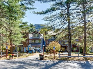 2BR condo at Attitash Mtn Village-Discount Lift Tickets Available!