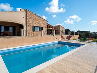 FINCA WITH POOL & AMAZING VIEWS NEAR SANTANYI