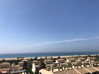 BARBATE. Atico frente al mar con dos terrazas