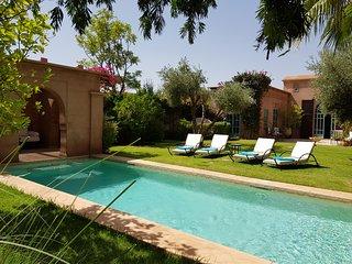 Villa avec Jardin & Piscines Prives sans vis a vis, Services Hoteliers