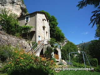 Gîte Côté Jardin 3*** au bord de la rivière et du jardin, coeur des Gorges Tarn