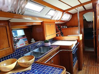 Amber Sun - Boat & Breakfast