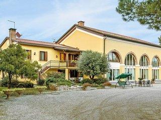 2 bedroom Apartment in Zena, Veneto, Italy : ref 5656548