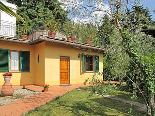 2 bedroom Apartment in San Casciano in Val di Pesa, Tuscany, Italy : ref 5446760