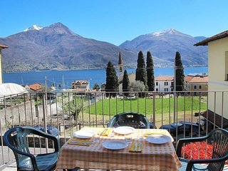 2 bedroom Apartment in Pianello del Lario, Lombardy, Italy : ref 5457033