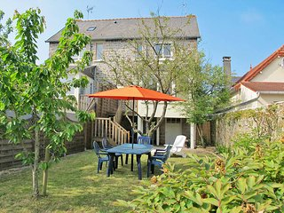 2 bedroom Villa in Pléneuf-Val-André, Brittany, France : ref 5436297