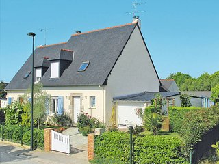 3 bedroom Villa in Ploubalay, Brittany, France : ref 5436307