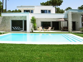 4 bedroom Villa in Aroeira, Setubal, Portugal : ref 5682596
