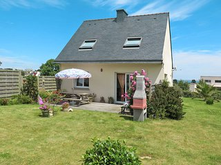 3 bedroom Villa in Plouguerneau, Brittany, France : ref 5438324