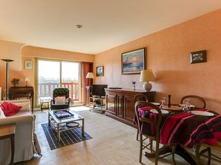 2 bedroom Apartment in Trouville-sur-Mer, Normandy, France : ref 5626420
