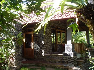 Pondok Manis HomeStay By The River with Nature / North Bali Trekking
