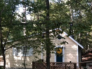 Cottage On Beech Haven, 4 miles from UGA Campus