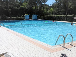Wonderful 2 Bedrooms Apt in Residence - Swimming Pool - Private Parking
