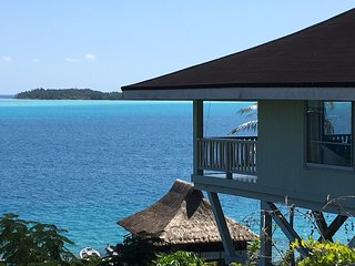 GORGEOUS LAGOONFRONT VILLA IN BORA BORA. HONEYMOONERS & FAMILIES WELCOME