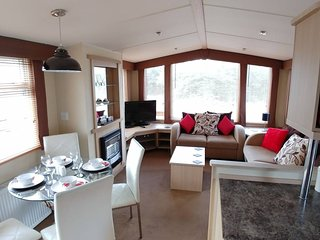 Static caravan, 3 bedroom, 8 berth near the coast!