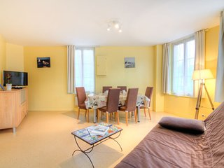 2 bedroom Apartment in Trouville-sur-Mer, Normandy, France : ref 5046536