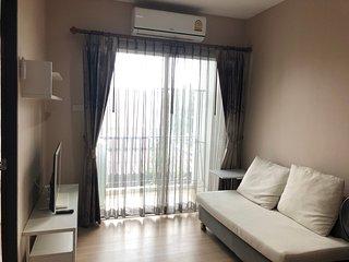 Oneplus Huaykaew condominium