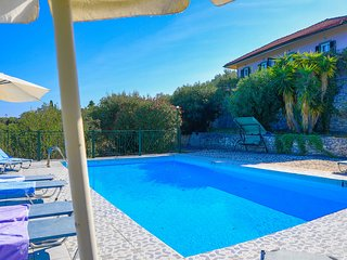 Antigoni Villa Ena: Shared Pool, A/C, sea views