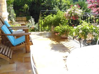 Maison Pierre D'Or, Monet. Luxury holiday apartment in Sarlat, Dordogne